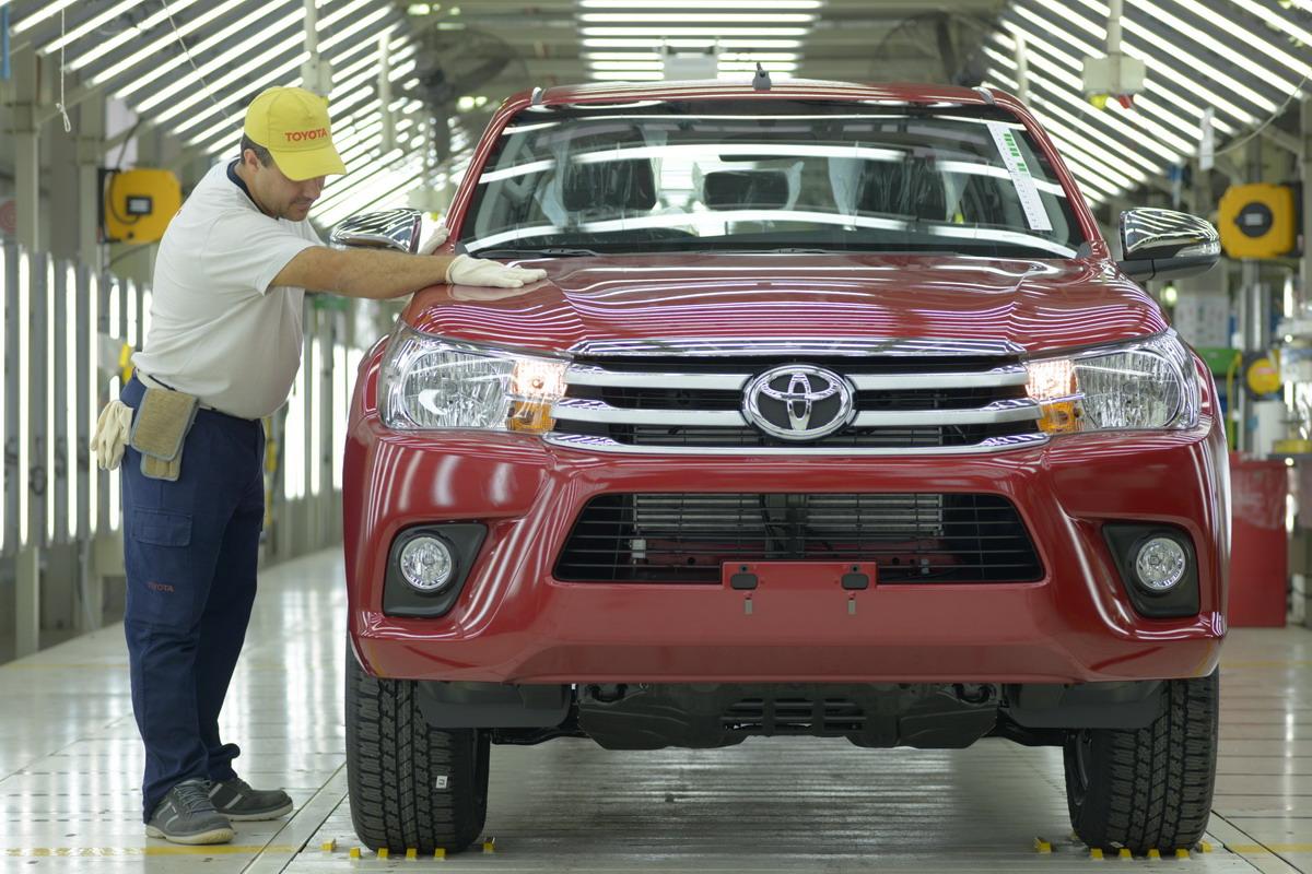 Toyota logra el record de producción anual por marca