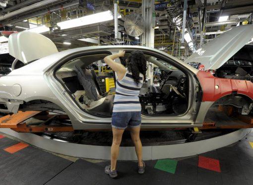 Mercado mundial: menos ventas, pero más fábricas