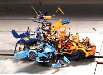 Algo más que un juego: el crash test de dos modelos de Lego