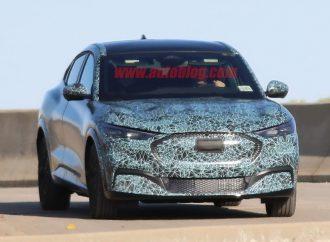 El Ford Mustang SUV, casi al desnudo