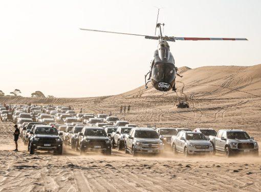 Ford realizó la travesía más grande con más de 150 pick ups