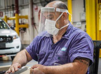 Ford ya entregó 20.000 protectores faciales producidos en Pacheco