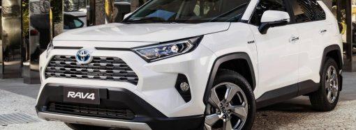 Toyota mejora el sistema multimedia de la Rav4