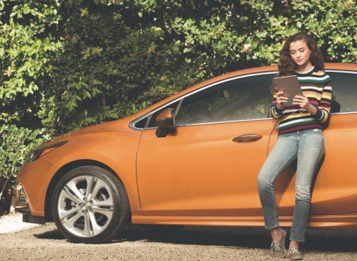 Sin fecha: restyling y 4G para el Chevrolet Cruze