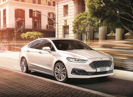 Ford lanza el Mondeo híbrido en la Argentina