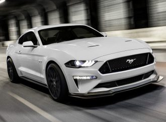 Ford lanza el restyling del Mustang