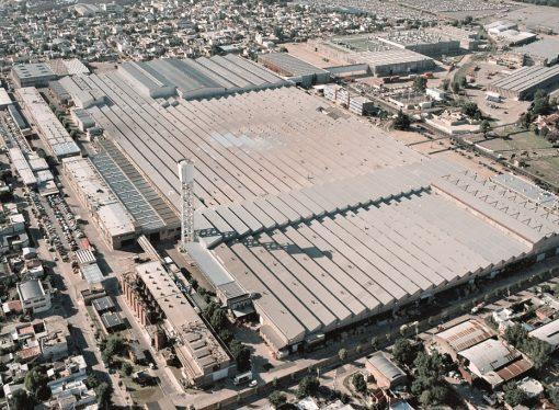 Peugeot y Citroën retoman la producción en la Argentina