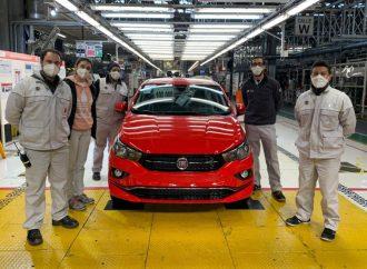 FCA festeja la producción del Fiat Cronos 100.000 en Ferreyra