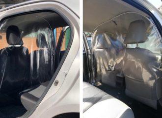 Taxistas y remiseros: Toyota lanza un separador de PVC para sus sedanes
