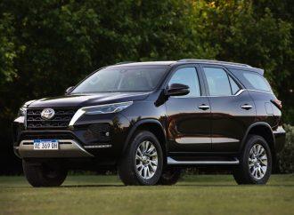 Toyota lanza el restyling de la SW4