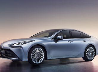 Mirai: el hidrógeno de Toyota mejora (mucho) su diseño