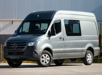 Mercedes Sprinter: nuevas versiones y garantía de dos años