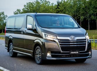 Toyota lanza la Hiace de pasajeros
