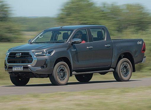 Prueba: Toyota Hilux SRX AT 4×4 (2020)