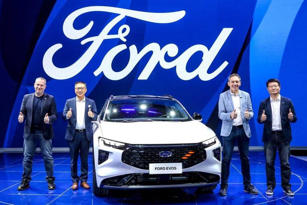 Ford asegura que el Evos no reemplazará al Mondeo