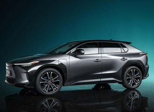 Toyota adelanta su primer modelo eléctrico