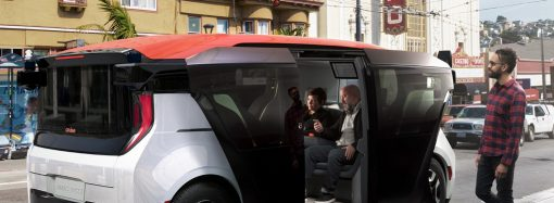 ¿Chau al manejo? GM comienza a producir su taxi autónomo