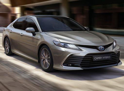 Toyota lanza el Camry híbrido en la Argentina