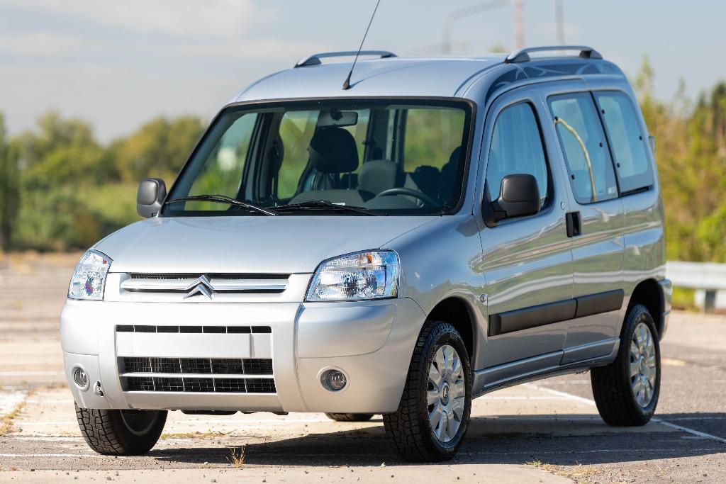 Los Peugeot Partner y Citroën Berlingo sumarán ESP en 2022
