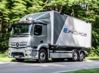Mercedes lanza su primer camión eléctrico