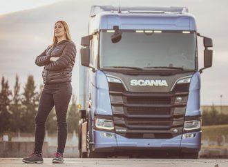 """Scania abre la inscripción para una nueva edición de """"Conductoras"""""""